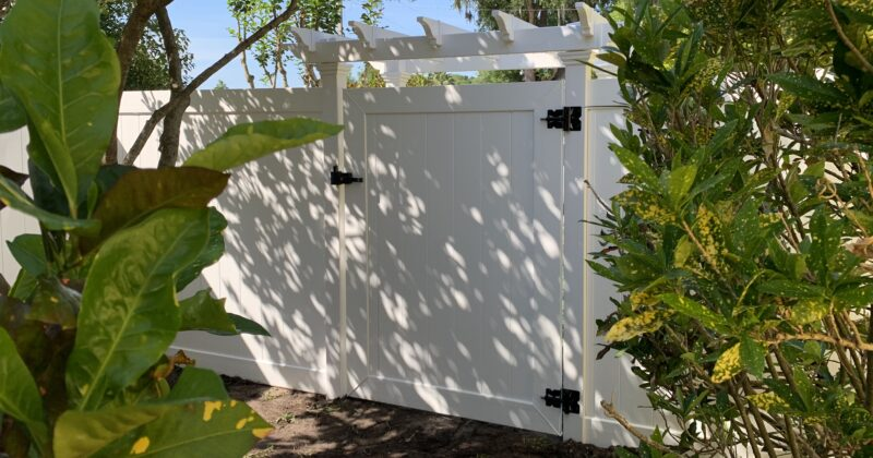 The Aesthetic of Vinyl Fencing