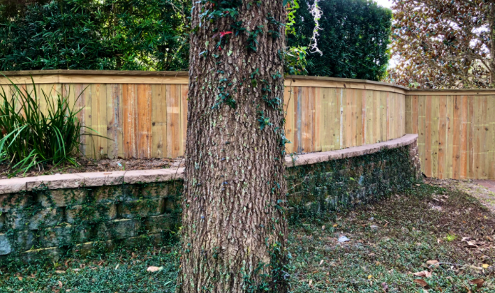 Protect Yourself When Choosing a Fence Contractor
